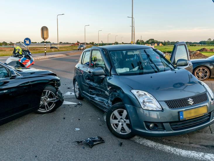 Automobilisten en hond met de schrik vrij na flinke botsing bij afrit A27