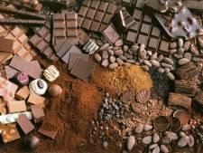 Zo maken ze ambachtelijke chocoladeletters bij Puur in Gouda