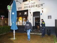 Drie personen aangehouden na inval in café in Pernis