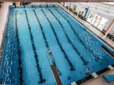 Baantjes zwemmen op anderhalve meter afstand