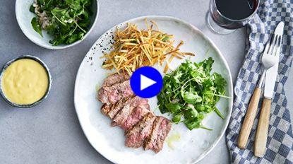 Stoot deze gepimpte steak friet de klassieke versie van de troon?