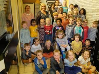 """Annalina (6) heeft lift nodig op school? Dan helpt hele gemeente geld inzamelen: """"Nu al 5.000 euro, op naar de 26.000"""""""