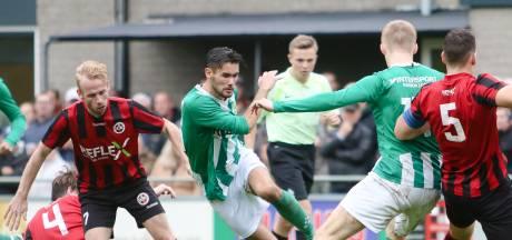 Maximaal 250 bezoekers in seizoen met recordaantal Hellendoornse voetbalderby's:  'Waardeloos'