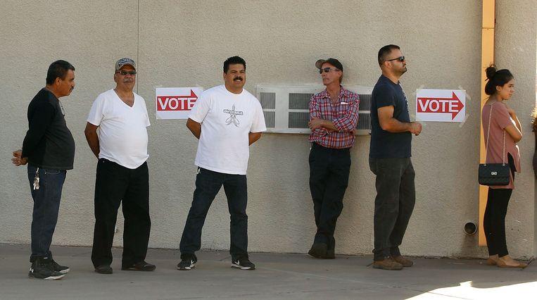 Kiezers in Arizona.