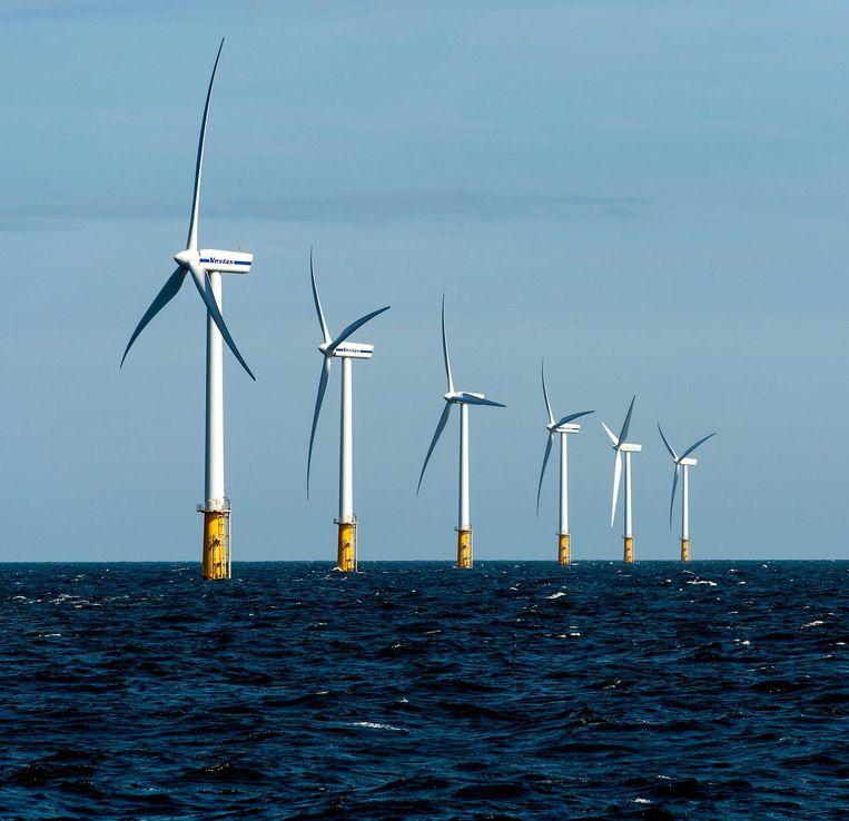 Het Prinses Amalia Windpark in de Noordzee, ter hoogte van IJmuiden, is Nederlands grootste offshore windmolenpark. Beeld ANP