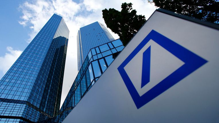Het hoofdkantoor van Deutsche Bank in Frankfurt Beeld REUTERS