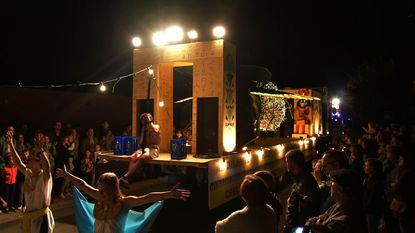 Lichtstoet grote blikvanger op Druivenfestival