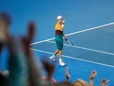Nishikori naar laatste acht na fraaie comeback in thriller