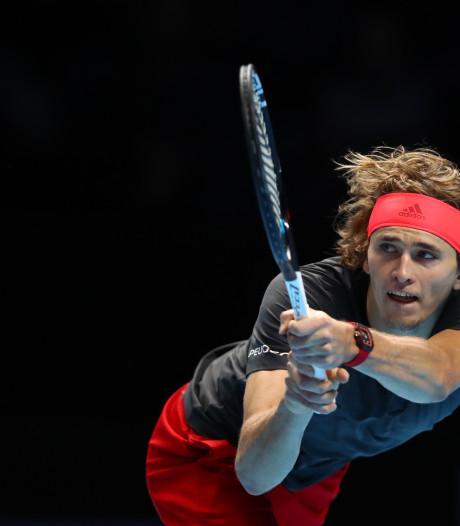 Zverev klopt Federer en is finalist in Londen