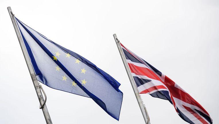 De Europese en Britse vlag. Beeld Anp