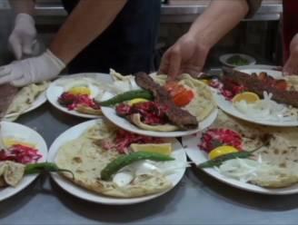 VIDEO. Eten we binnenkort kamelenkebab?