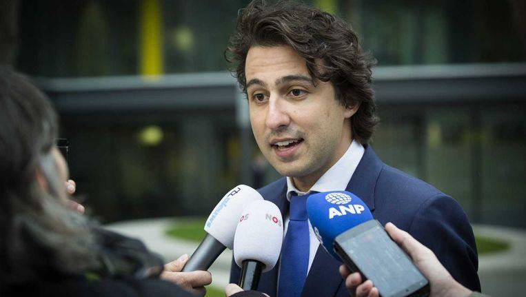 Jesse Klaver (GroenLinks) arriveert afgelopen woensdag bij het ministerie van Financiën om met het kabinet te praten over de hervorming van de belastingen. Beeld anp