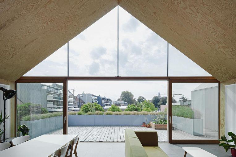 Zo ziet de woning bovenop het atelier er langs de binnenkant uit.
