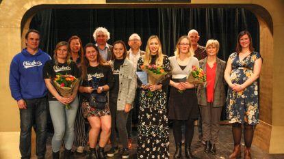 Zwemster Jade Smits (18) opnieuw verkozen tot sportlaureate