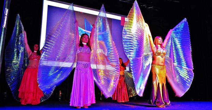 Buikdanseressen veroveren zaterdag 9 maart De Wemel in Wemeldinge.