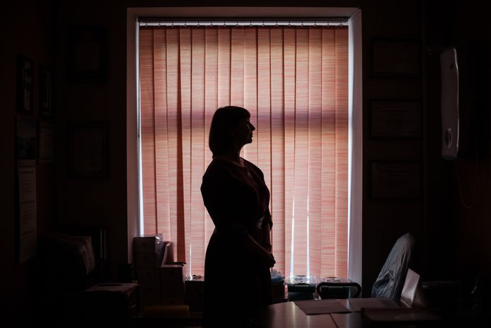 De met hiv besmette Sveta wil alleen onherkenbaar op de foto.