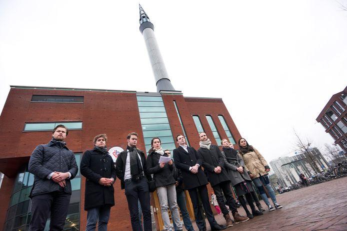 Na de opmerkingen van Van Deún kwamen politieke jongerenorganisaties in protest.