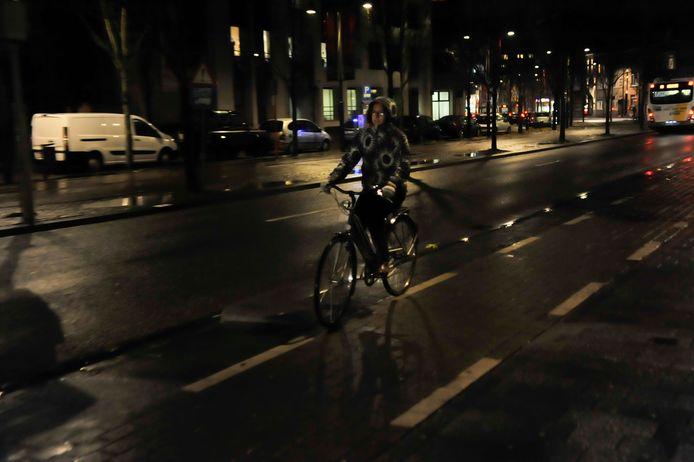 Fietsen zonder licht: 58 euro boete