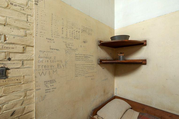 Inscripties op de muur van dodencel 601. Beeld GAPS / Arjan de Jager