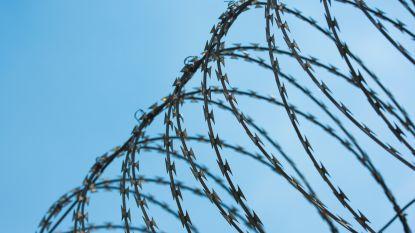 """Dienst Vreemdelingenzaken laat vrouw vrij die """"sinds twee maanden onwettig werd vastgehouden"""""""