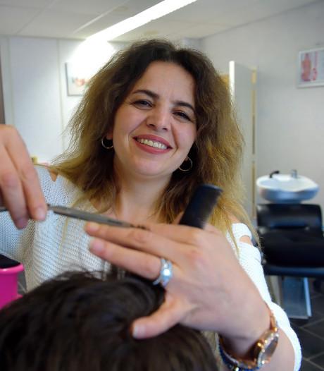 Onbekende kapster Selda stoot Nieuwe-Democraten-icoon Schijvenaars door één stem van de troon in Roosendaal