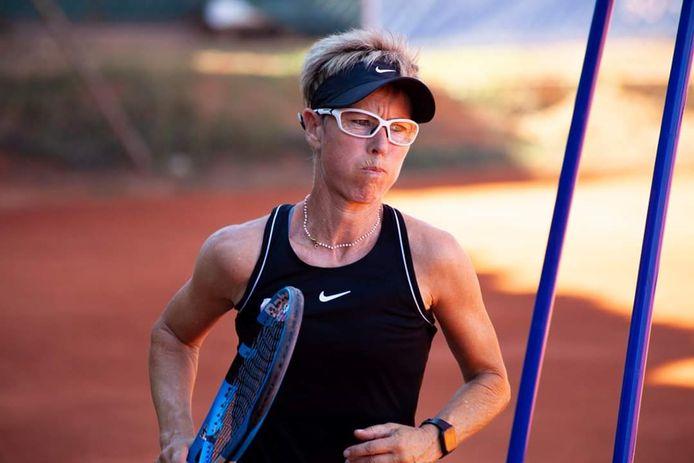 Klaartje Van Baarle op het wereldkampioenschap tennis voor 55-plussers