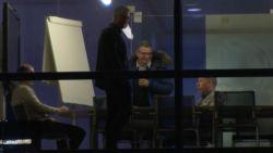 Zo verliep dag één na Vanhaezebrouck op Anderlecht: Verschueren slaat en zalft, anderstaligen snakken naar menselijkere T1 en...John van den Brom solliciteert