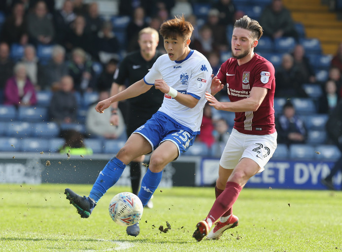 Tsun Dai (links) in mei 2018 als speler van Bury,
