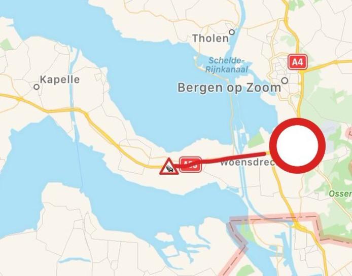 Op de snelweg A58 staat file bij knooppunt Markiezaat in de richting van Vlissingen.