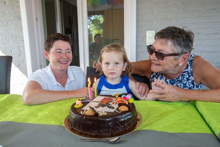 Liesbeth, Elenia en Marina zijn jarig op dezelfde dag, 27 augustus.