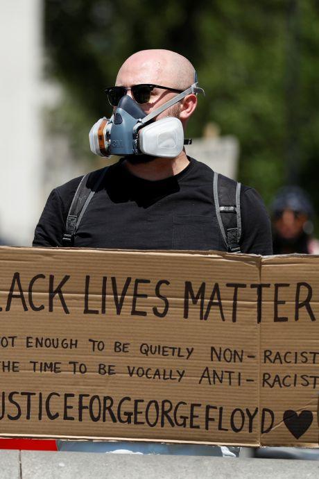 Demonstratie tegen racisme in Nijmeegs Goffertpark