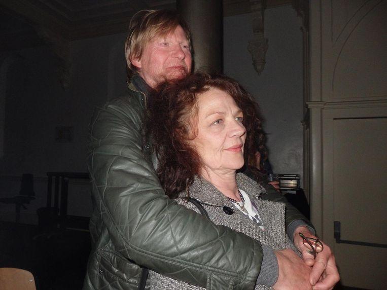 Down memory lane. IT-bedrijfeigenaar André Schelleman en Sonja Guinand ('Zo veel, man. Zo veel.') Beeld Schuim