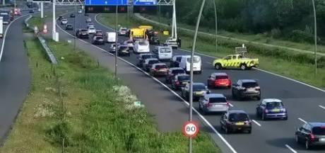 Botsing met meerdere voertuigen op N2 in Eindhoven veroorzaakt file