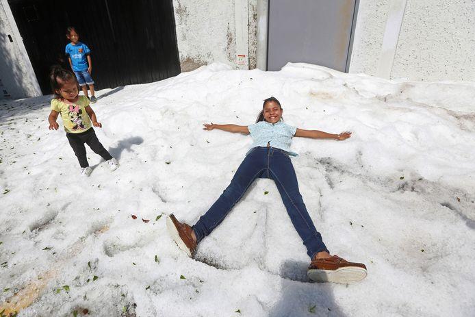 Spelen in het ijs.