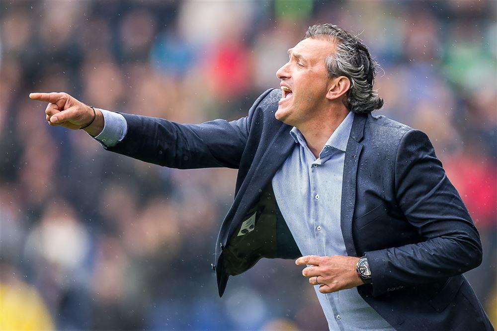 Robert Maaskant, hier nog actief als trainer, is nu technisch directeur van Almere City FC. ,,De sterkste clubs moeten in de eredivisie spelen.''