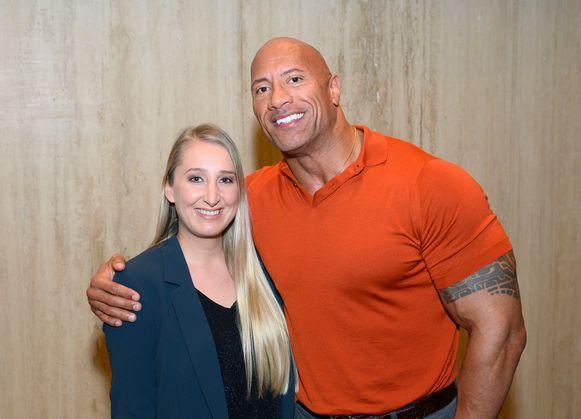 Onze vrouw in Hollywood met The Rock.