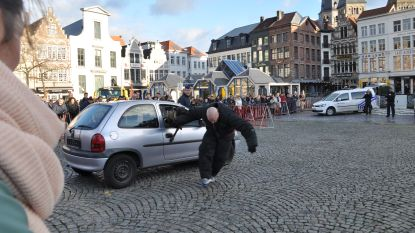 Video. Politie demonstreert honden en draken voor het goede doel