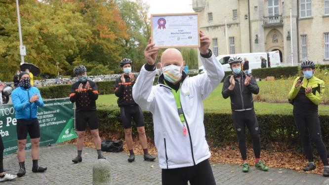"""Ivan (57) rijdt 1.400 kilometer langs 38 Levensloop-gemeenten: """"Peulschil tegenover de strijd die kankerpatiënten leveren"""""""