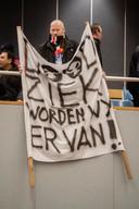 De chroom-6-gedupeerden verzamelden zich afgelopen jaar een paar keer op de publieke tribune tijdens de Tilburgse gemeenteraadsvergadering.