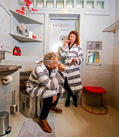 Penthouse Prison: dat is pitten in het politiebureau met... roomservice