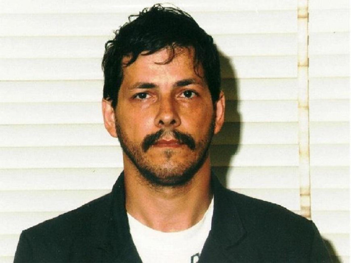 Marc Dutroux avait été condamné en 2004 à la perpétuité pour l'enlèvement, la séquestration et le viol de six fillettes et adolescentes, ainsi que la mort de quatre d'entre elles.