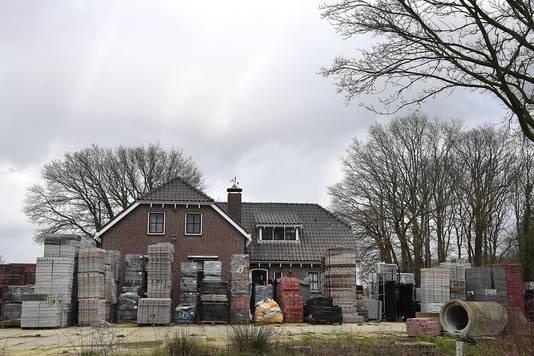 Een woonhuis op het terrein van Ben Litjens