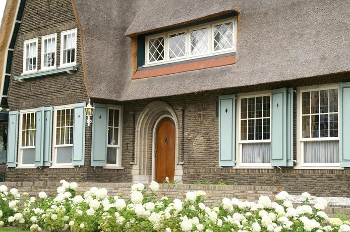 Landhuis uit 1928 gebouwd door Frans Bazelmans, eigenaar van een linnenweverij