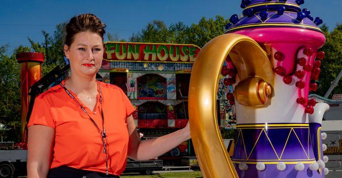 De Zutphense kermisexploitante Ida Oostenenk - hier op een tijdelijke 'corona-oefenkermis' in Apeldoorn - heeft een stille hoop: ,,Wat zou het fantastisch zijn als de kermis het eerste Zutphense feest is na een zomer vol ellende.''