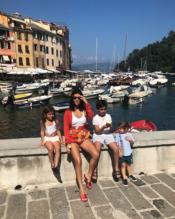 Kourtney met haar drie kinderen.