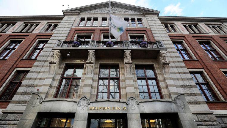 De aandelenbeurs aan het Amsterdamse Damrak is maandag met verlies geopend Beeld anp