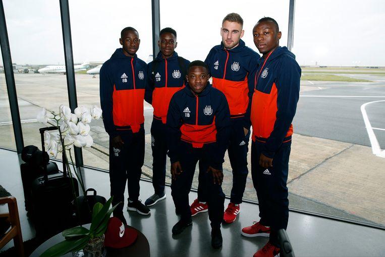 Met Kayembe, Amuzu, Cools, Sambi Lokonga en Dante stroomden er al vijf jongeren van de beloften door naar de A-kern.