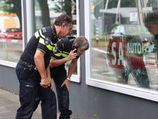 Autoverhuurder in Enschede tiental keer beschoten