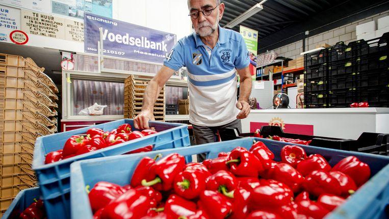 De voedselbank: vooruitzicht voor gepensioneerden als hun inkomen zo achteruit blijft gaan. Beeld anp