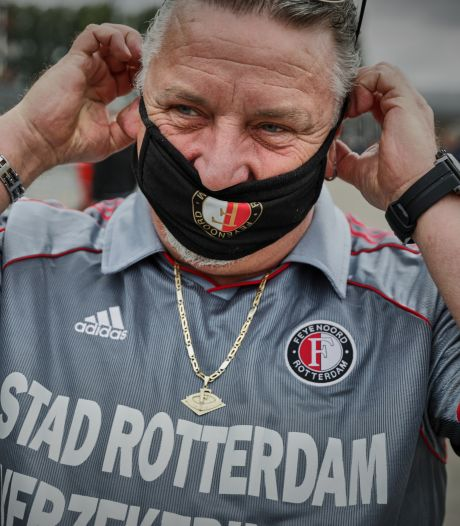 Hoe gehoorzaam zijn Feyenoord-supporters? 'Ik zing het Hand-in-Hand met mijn mondkapje op'
